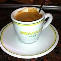 Photo taken at Bracafé by Oliver Vegas on 12/5/2012