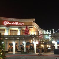 Photo taken at The Cheesecake Factory by Refaei on 12/20/2012