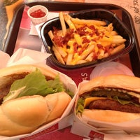 Photo taken at Wendy's by Martín T. on 1/22/2013