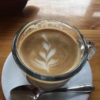 Foto tomada en Beso Espresso por Mark T. el 12/10/2016