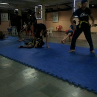 Photo taken at fighting fit dojo (mma) by Hemal S. on 4/11/2014