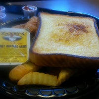 Photo taken at Zaxby's Chicken Fingers & Buffalo Wings by James W. on 3/7/2013