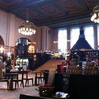Das Foto wurde bei Starbucks von Oleg R. am 11/25/2012 aufgenommen