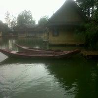 Photo taken at Kampung Sampireun by Fauzia A. on 12/23/2012