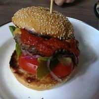 Das Foto wurde bei Brooklyn Burger Bar von Janina L. am 5/14/2014 aufgenommen