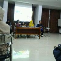 Photo taken at Sekolah Tinggi Ilmu Administrasi - Lembaga Administrasi Negara (STIA LAN) by Jenii K. on 12/5/2012