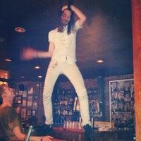 10/12/2012にJoshua F.がNoni's Bar & Deliで撮った写真