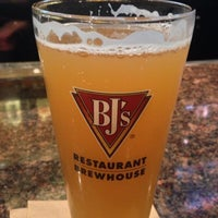 Photo taken at BJ's Restaurant and Brewhouse by Fidel I. on 7/13/2013