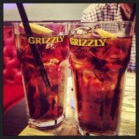 Снимок сделан в Grizzly Bar пользователем Darya C. 8/2/2013