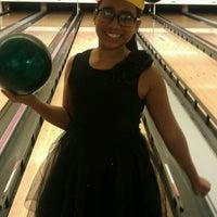 Photo taken at 4th Street Bowl by Erika Lei on 12/8/2012