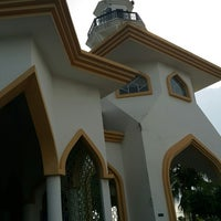 Photo taken at Masjid Nurul Iman Serendah by amj on 10/21/2017