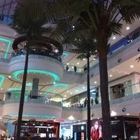 Foto tomada en Centro Comercial Cacique por Yerson O. el 11/17/2012