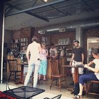 7/14/2013 tarihinde Horacio C.ziyaretçi tarafından Ultimo Coffee @ Brew'de çekilen fotoğraf
