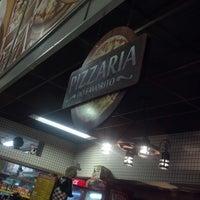 Foto tirada no(a) Supermercado Favorito por Samila M. em 2/16/2013