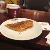 Photo taken at Costa Coffee by Alvernaz D. on 4/27/2018