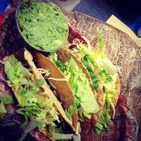 Photo prise au Chipotle Mexican Grill par Jill Van V. le4/20/2013