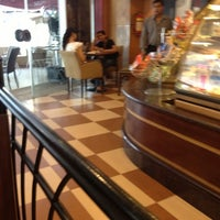 Photo taken at Costa Coffee by anaggh d. on 10/18/2012
