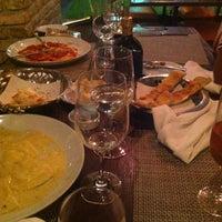 Foto tirada no(a) Fratelli Restaurante e Pizzaria por Adriano R. em 12/31/2012