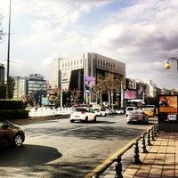 4/21/2013にMohammed B.がKızılay Meydanıで撮った写真
