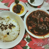 Photo taken at D'Original Pares by Juan D. on 2/3/2014