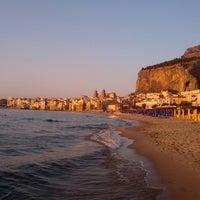 Foto scattata a Spiaggia di Cefalù da Иван М. il 6/19/2013