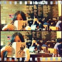 Photo prise au black coffee dessert bar par Jemimah W. le11/29/2012