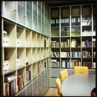 Снимок сделан в Российская государственная библиотека для молодежи пользователем DM 11/19/2012