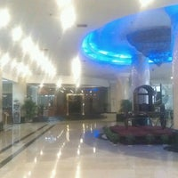 Photo taken at Xindu International Hotel Taizhou (Zhejiang) by Vladimir Y. on 3/8/2013