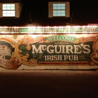 Das Foto wurde bei McGuire's Irish Pub von Krista F. am 3/6/2013 aufgenommen