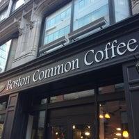 5/1/2013 tarihinde Gregory H.ziyaretçi tarafından Boston Common Coffee Company'de çekilen fotoğraf