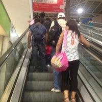Foto tomada en Terminal de Buses San Borja por Chris D. el 12/30/2012