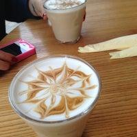Das Foto wurde bei Coffeemania von Yulia E. am 11/17/2012 aufgenommen
