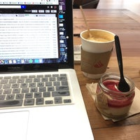 Foto tirada no(a) Work Cafe Santander por Edo. em 9/6/2017