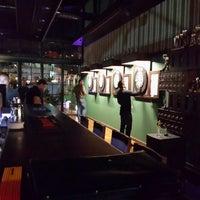 10/3/2013 tarihinde Ümit ↪.ziyaretçi tarafından Pool Pub'de çekilen fotoğraf