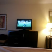 Photo taken at Holiday Inn Statesboro-University Area by Jeff on 1/4/2014