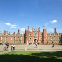 Foto scattata a Hampton Court da Ryan il 5/26/2013