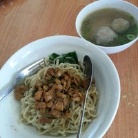 Photo taken at Bakso Lapangan Tembak Senayan by Kammajaya K. on 12/8/2012
