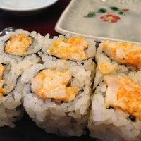3/24/2013 tarihinde Helen L.ziyaretçi tarafından Sushi of Gari'de çekilen fotoğraf