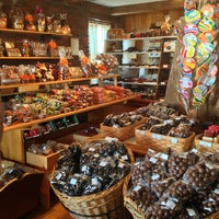 Photo taken at The Fudge Shoppe by Helen L. on 10/26/2013