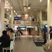 Photo taken at Food Gallery 32 by Helen L. on 11/18/2012