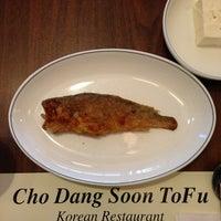 Das Foto wurde bei Chodang Soon Tofu von Bernie C. am 6/19/2013 aufgenommen