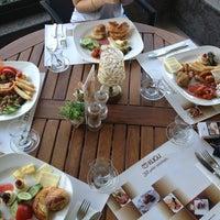 5/18/2013 tarihinde Ebru T.ziyaretçi tarafından Kuğu Pastanesi'de çekilen fotoğraf