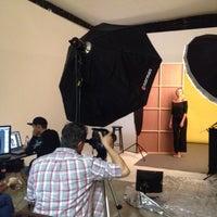 Photo taken at Public Studio - Foro Estudio de Foto y Video - by Lore M. on 8/11/2016