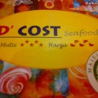 Photo prise au D'Cost Seafood par Fitrie C. le10/17/2013