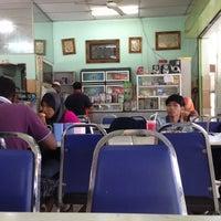 Photo taken at Restoran Beriyani Maju Jaya by Mohd Wafi @. on 8/11/2013