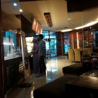 Photo taken at Tamani Kafe by mac s. on 8/31/2014