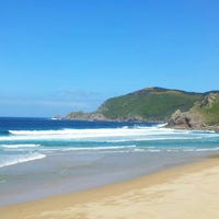 Photo taken at Praia Mar de fóra by Félix P. on 5/10/2013