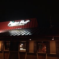 Photo taken at Pizza Hut by stephen m. on 1/1/2016