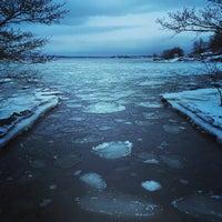 Photo taken at Ravintola Uunisaari by Stephen P. on 1/25/2015