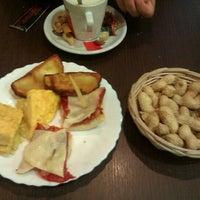 Foto tomada en Restaurante Marte por Adolfo N. el 10/23/2012